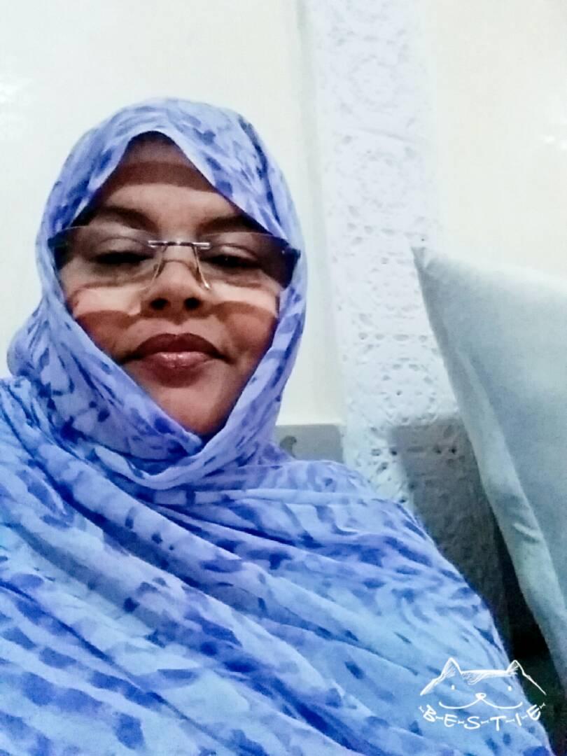 """رئيسة منظمة الرأفة والإحسان خدجة بنت احمد شلل """"صورة حصرية"""""""