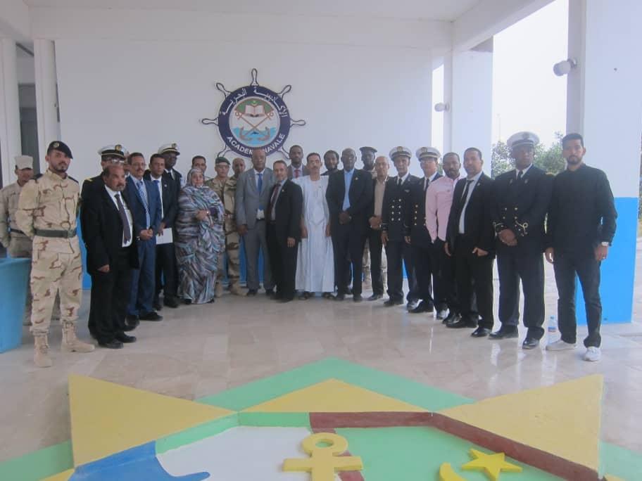 الفريق البرلماني خلال زيارته للأكاديمية البحرية