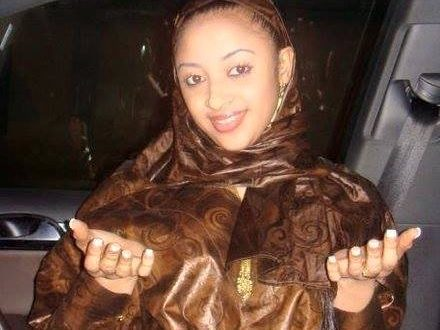 الشابة الموريتانية رحمة الفائزة بلقب ملكة جمال إفريقيا فى الولايات المتحدة الأمركية