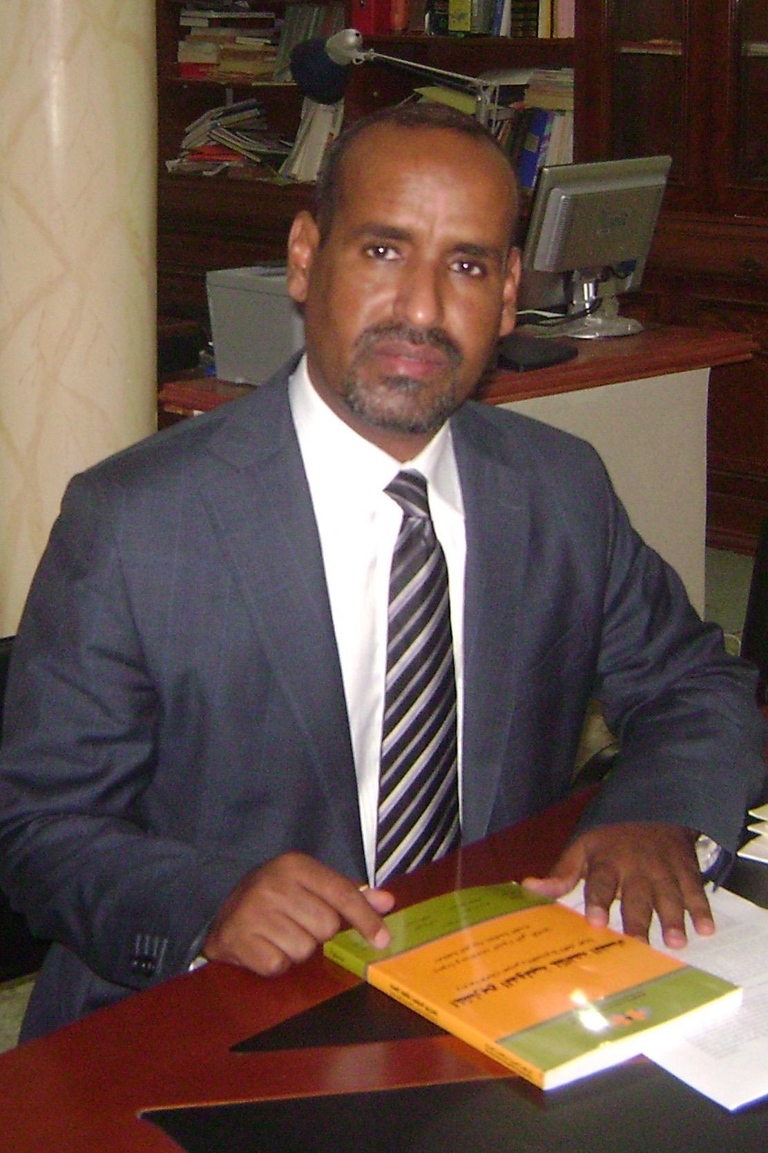 المحامي / محمد سيدي ولد عبد الرحمن وعضو فى مبادرة الدفاع عن المكتسبات الدستورية