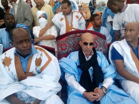 رئيس الحزب داود ولد احمد عيشه وعن يمينه فدرال الحزب عبد الرحمن ولد شينه